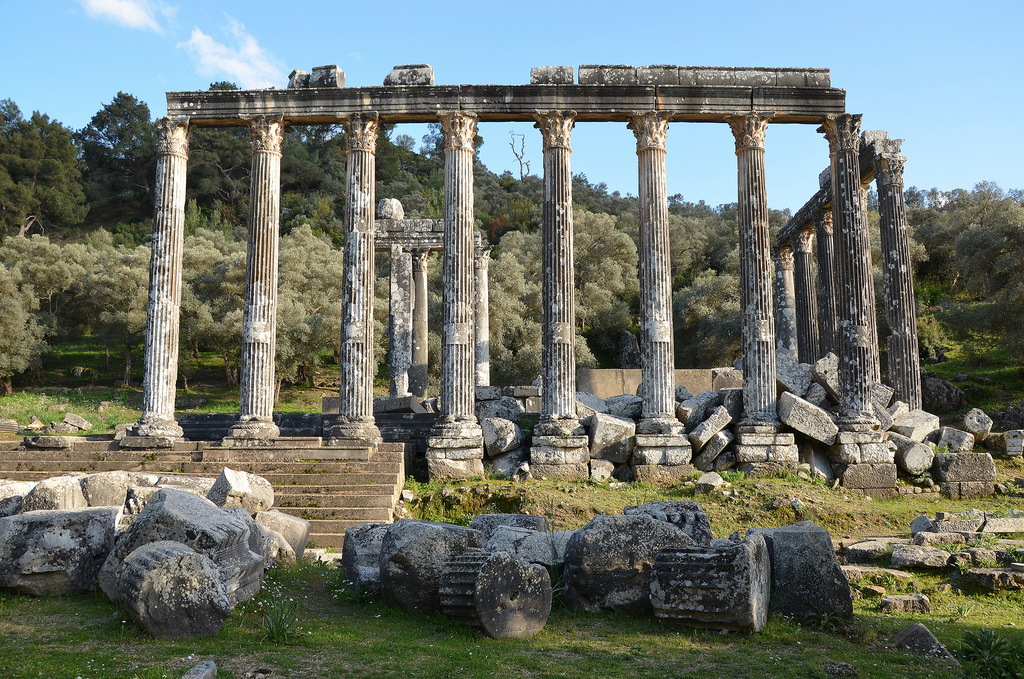 Temple of Zeus Lepsynus, built on the site of an earlier Carian temple, 2nd century AD (probably during the reign of the emperor Hadrian), Euromos, Turkey