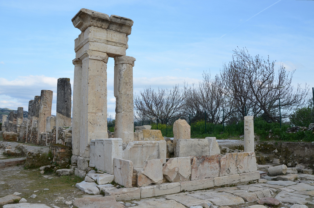 The Nymphaeum (Orpheus Fountain) built at the crossroads between the Colonnaded Steet and the Hierapolis Street.
