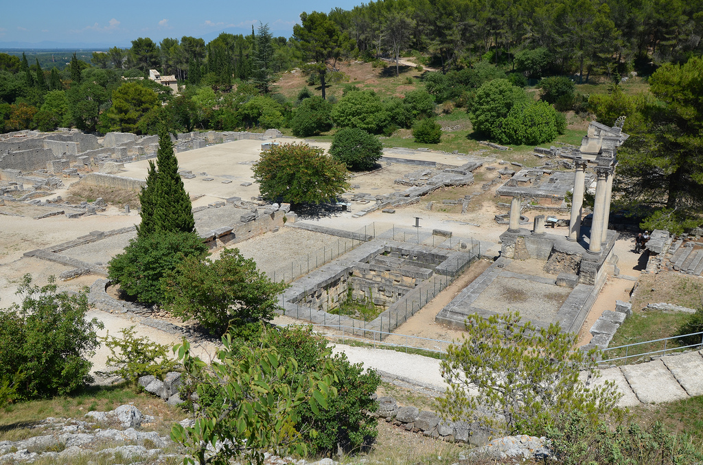 Overview of the Twin Temples and the Forum.