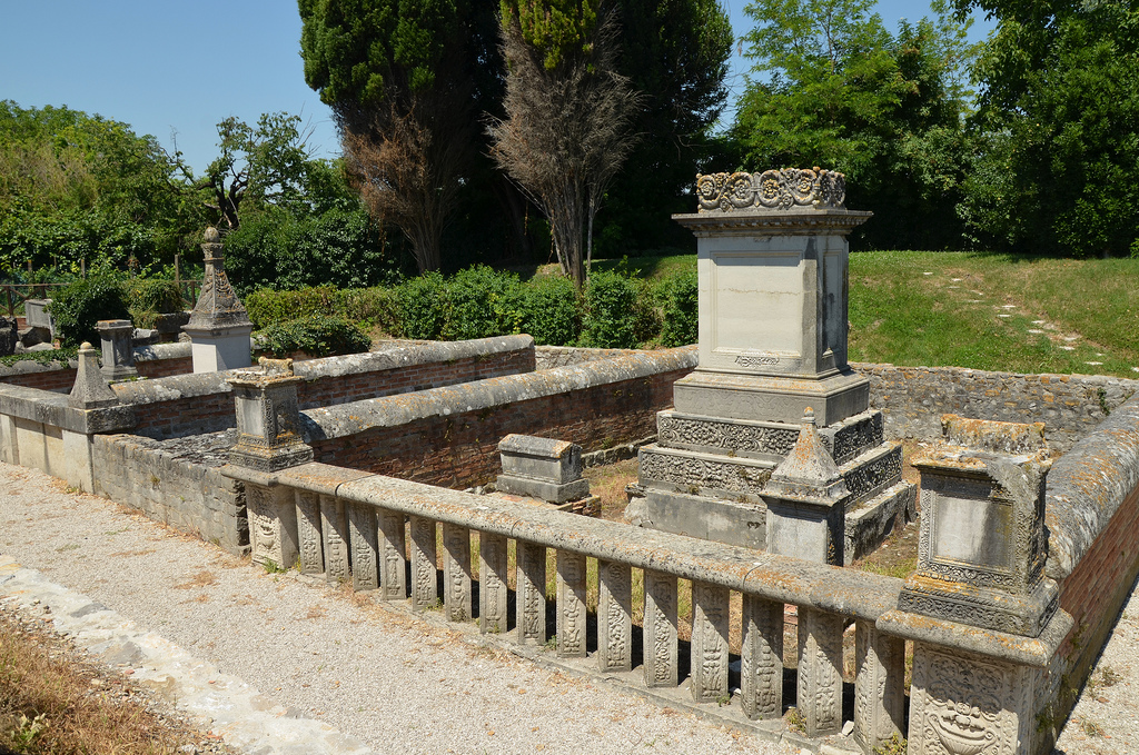 The Roman necropolis dating between the 1st and the 3rd century AD, it comprises of five burial enclosures containing numerous cremation and inhumation burials.