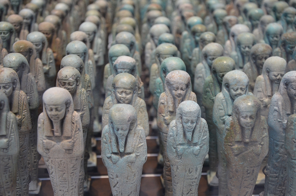 Troop of funerary servant figures (shabtis) in the name of Neferibreheb, around 500 BC, from Memphis (Egypt).