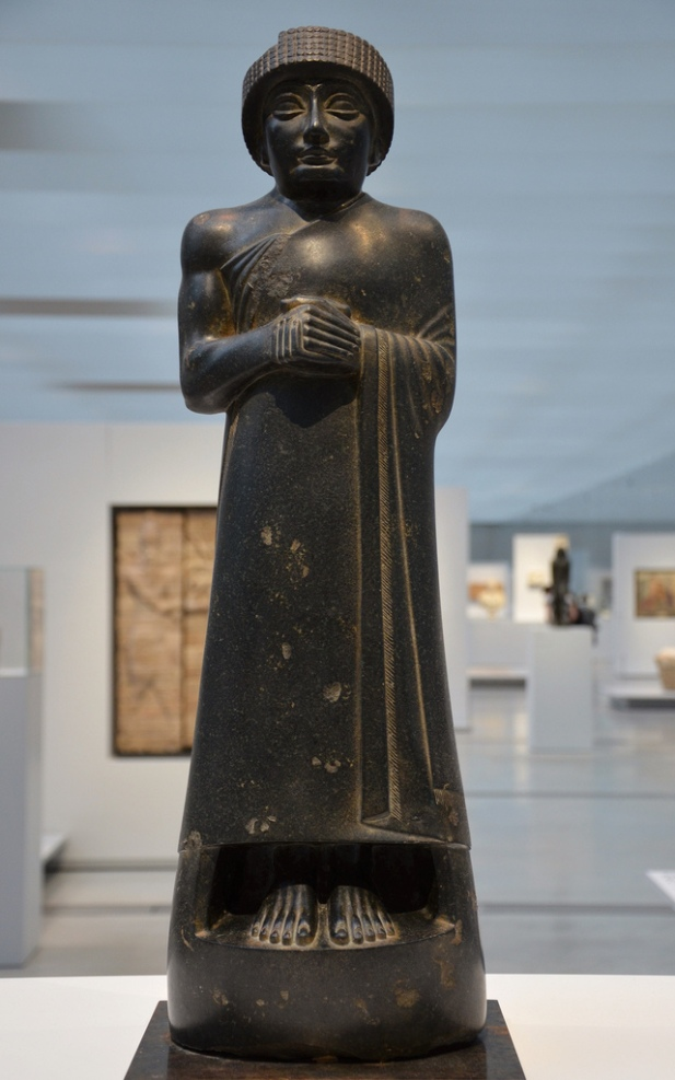 Diorite statue of Gudea, prince of Lagash From Girsu (Irak) Around 2120 BC.