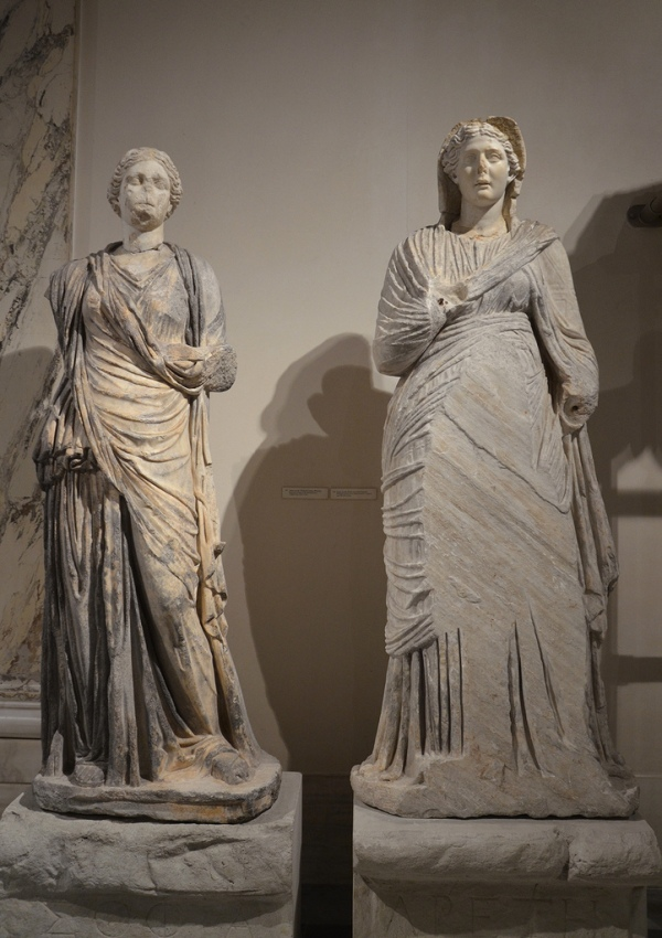 Female statues that decorated the niches of the Library of Celsus symbolizing wisdom (Sophia, left) and virtue (Arete, right).