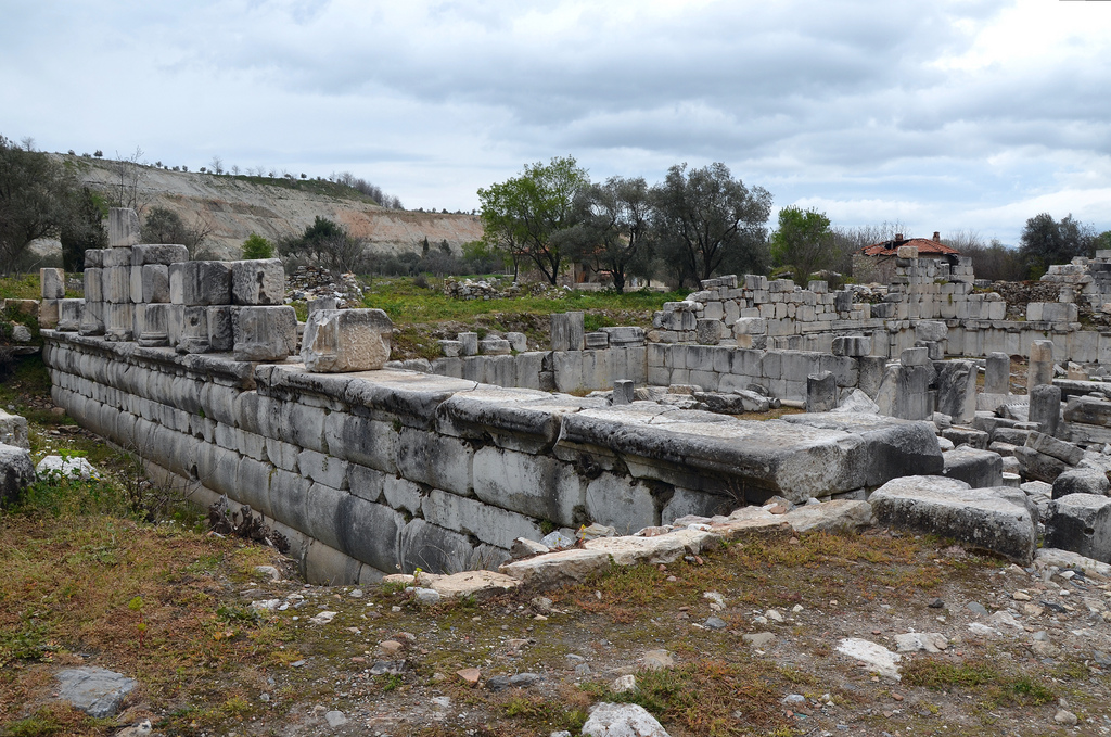 The total length of the Gymnasium is estimated to be 267 m. Hence it is the largest known gymnasium from antiquity.