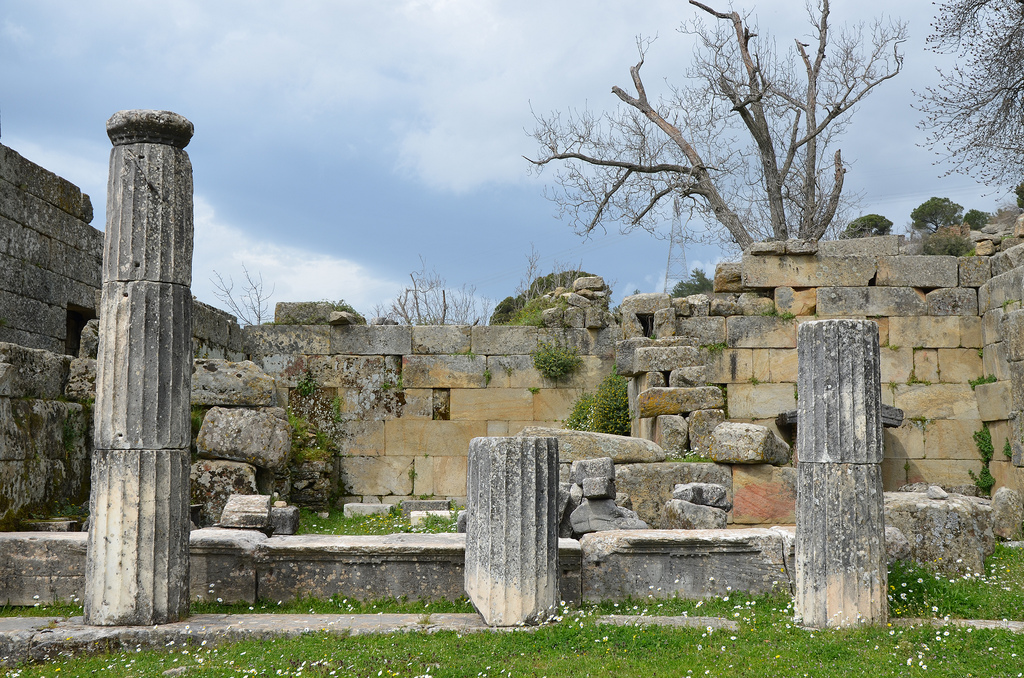 The Oikoi Building built by Idrieus (351-344 BC), it possibly served as a Treasury, it had two rooms behind a marble portico with four doric columns.