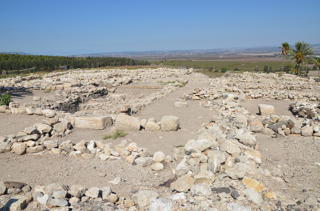 The ruins of the Assyrian city. In 732 BC, the Assyrian Tiglath-Pileser III conquered the northern part of the Kingdom of Israel, Megiddo became the capital of the province of Magiddu.