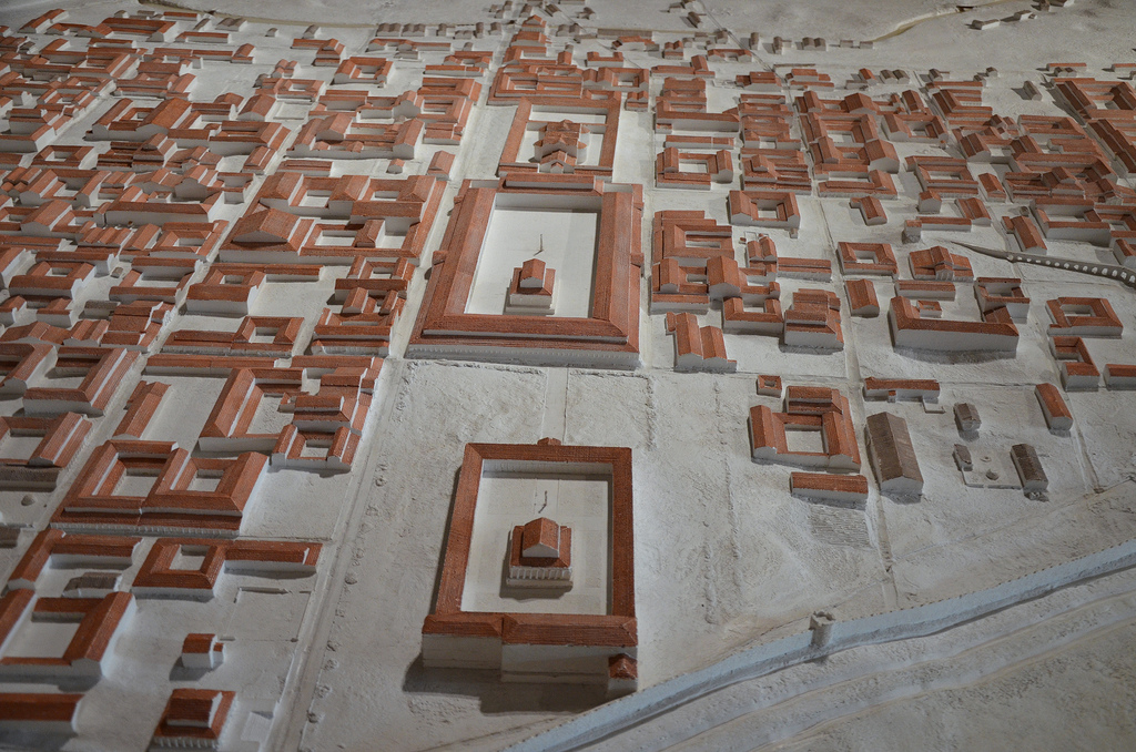 Scale model of Atuatuca Tungrorum around 150 AD showing in the middle the Temple, the Forum and the Basilica. Gallo-Roman Museum of Tongeren, Belgium.