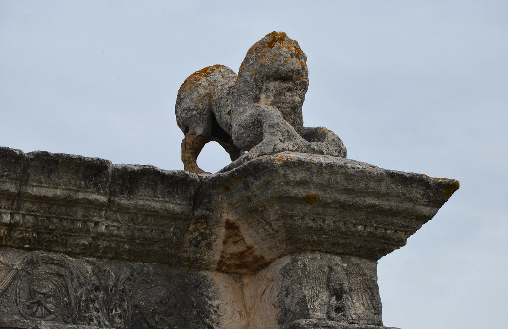 The only surviving original lion on top of the Pont Flavien's arches, Pont Flavien, late 1st century BC Roman bridge across the River Touloubre in Saint-Chamas, France