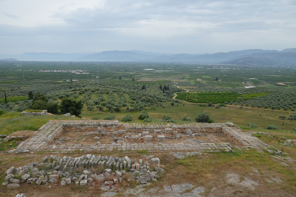 Overall view of New Temple of Hera from the upper terrace.