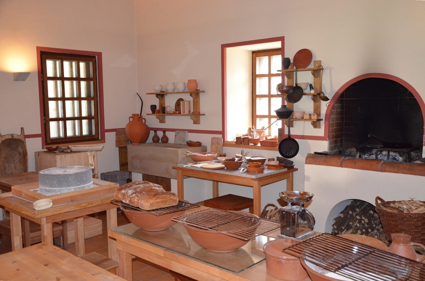The reconstructed Roman kitchen (culina). The Villa Borg produces its own Roman bread which you can buy at the tavern. The bread is baked inside the reconstructed kitchen.