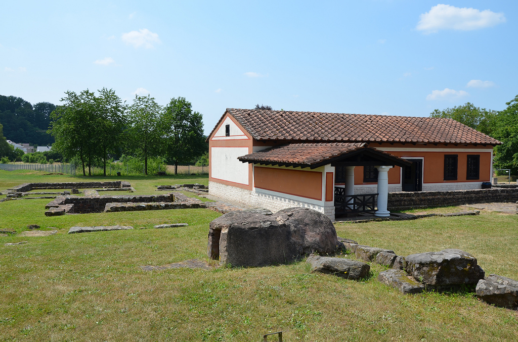 The partially reconstructed House of the Columns.