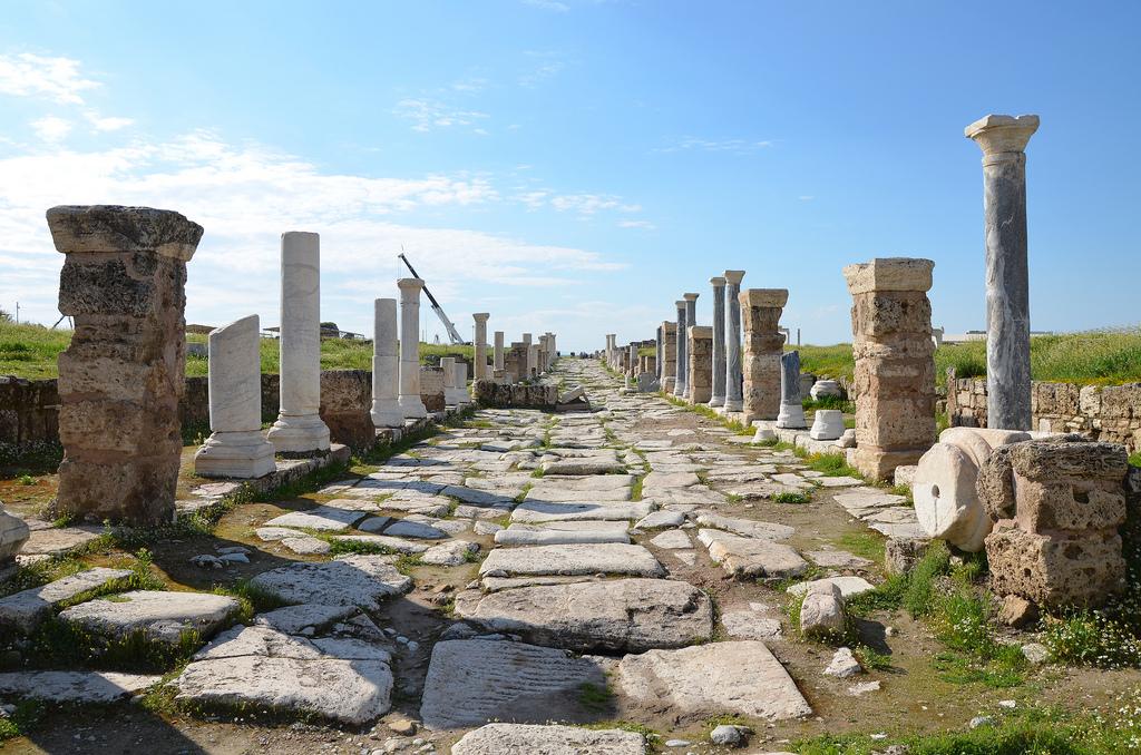 Laodicea on the Lycus – following hadrian photography